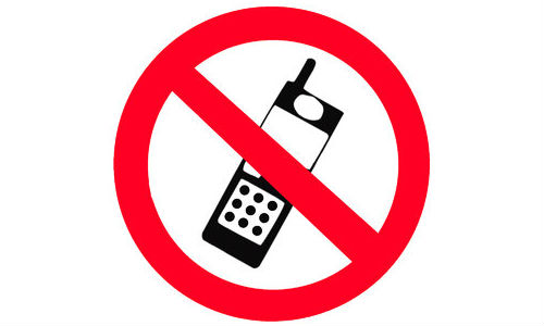 Rajasthan Panchayat Bans Cellphones for Girls Under 18
