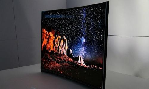 சாம்சங் அறிவித்த உலகின் முதல் 'வளைவான' OLED டிவி !!