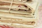 24000 கடிதங்களை வீட்டிலேயே ஒளித்து வைத்த தபால்காரர்: காரணம் கேட்டால் ஷாக் ஆவிங்க..!