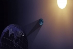 பூமி, சூரியனுக்கு நடுவில் நிலா: நச்சுனு கிளிக் செய்த நாசா- சூரிய கிரகணத்தின் அற்புத காட்சி!