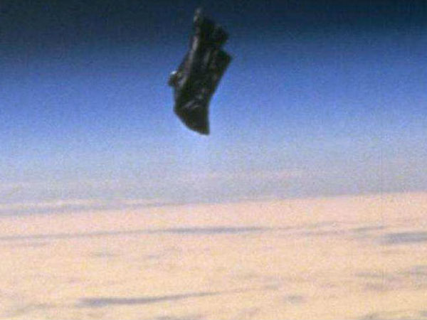 18-1450421309-black-knight-satellite.jpg