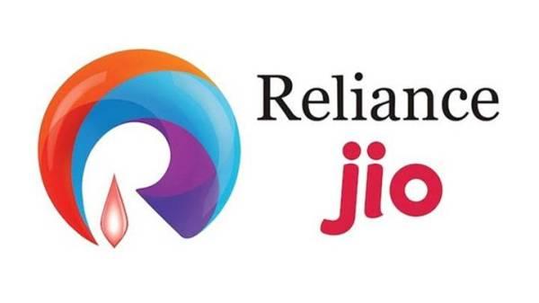 8 டிரில்லியன் ரூபாய் சந்தை மூலதனம் கொண்ட முதல் இந்திய நிறுவனம்.!