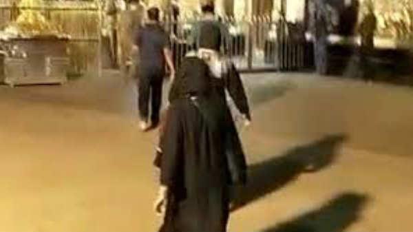 ஐயப்பனை தரிசனம் செய்த பெண்கள்: பேஸ்புக்கில் கிளித்த இளைஞர்.!