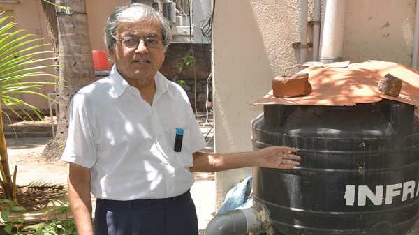 காற்றை வைத்து குடிநீர் தயாரிக்கும் ரமேஷ்: சென்னையில் சாதனை.!