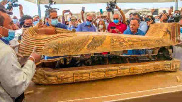 2500 ஆண்டு பழமையான 59 மம்மி சவப்பெட்டிகள்: ஊடகத்திற்கு முன்பு திறப்பு-கிடுகிடுக்க வைத்த காட்சி!