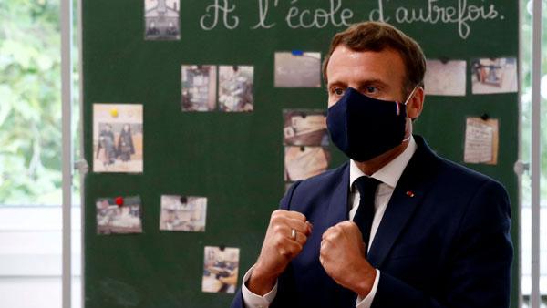 Nomornya sama: menyadap ponsel presiden Prancis