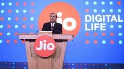 ஜியோ-பை ரவுடருக்கு 100% கேஷ்பேக் வழங்கும் ரிலையன்ஸ் ஜியோ.!