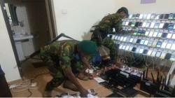 இலங்கையில் சட்ட விரோத தகவல் தொடர்பு மையம்- 3 பேர் கைது.!