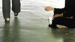 ஆன்லைனில் பிச்சை எடுத்த பெண் கைது: நடந்தது இதுதான்.!