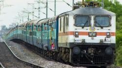 Indian Railways: அடிக்கடி ரயில் பயணம் செய்பவர்களுக்கு ஒரு நற்செய்தி.! CoD சேவை.! எப்போது முதல்?
