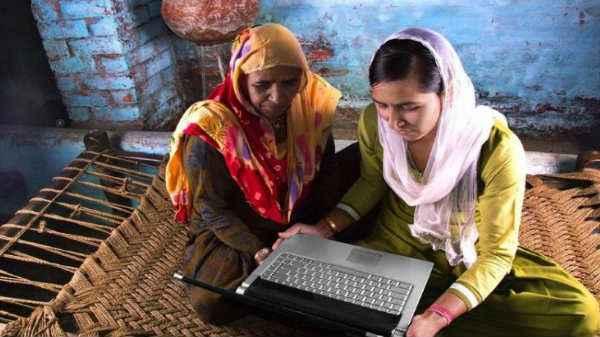 பாரத்நெட் திட்டத்தின் கீழ் இந்தாண்டிற்குள் இணையவசதி பெறும் 2,50,000  கிராமங்கள்   250000 Gram Panchayats to Get Broadband Connectivity Under  BharatNet by December 2018 - Tamil Gizbot
